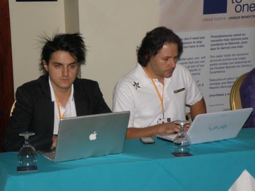Christian Marin y Axel Brenes - Adondeirhoy.com