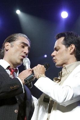 Alejandro Fernandez y Marc Anthony en Costa Rica - Adondeirhoy.com