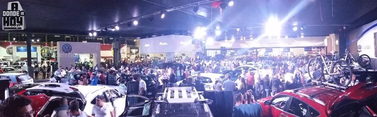 Autos y Modelos en Expomovil 2015