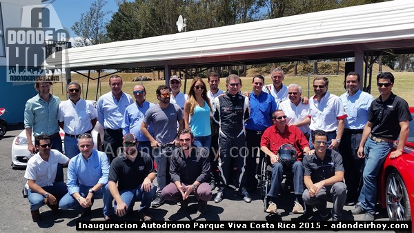 Inauguran el Autodromo Parque Viva