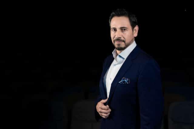 Tenor Ricardo Bernal dará primer concierto como solista